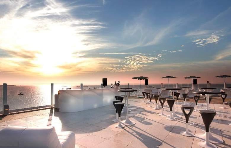 Hard Rock Ibiza - Terrace - 11