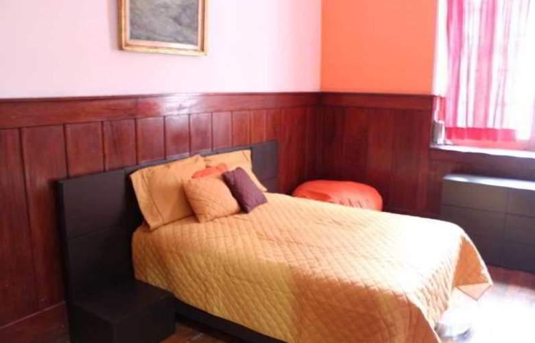 Hostel Amigo - Room - 1