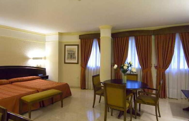 San Antonio - Room - 13