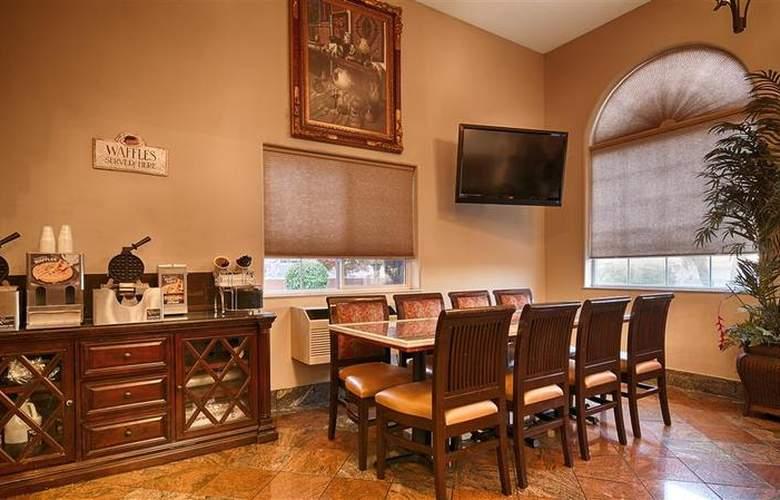 Best Western Plus Executive Suites Albuquerque - Restaurant - 5