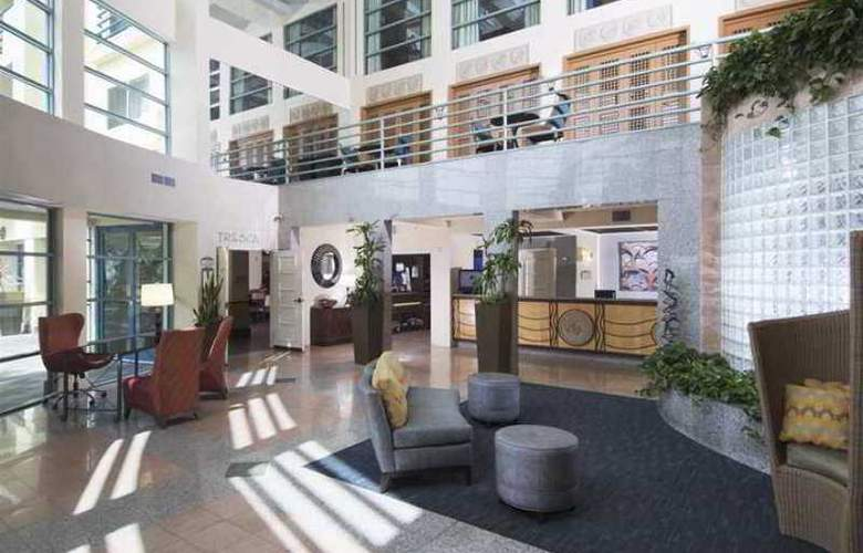 DoubleTree Suites by Hilton Hotel Doheny Beach - Hotel - 6