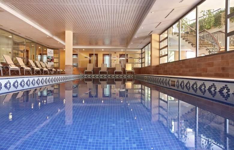 Zafiro Cala Mesquida - Pool - 16