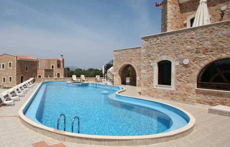 Liberta Villas - Pool - 11