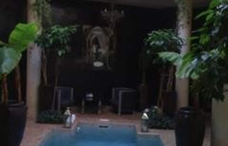Riad ' O - Pool - 3