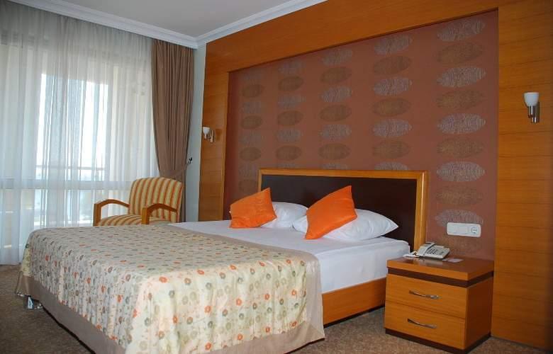 Sirma - Room - 3