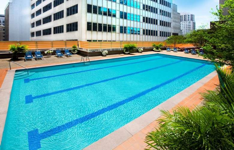 Omni Hotel Mont-Royal - Pool - 2