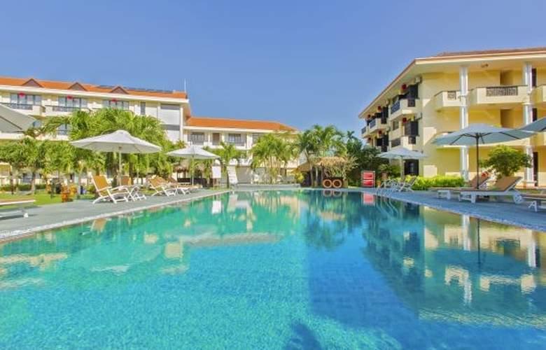 Phu Thinh Boutique Resort - Pool - 3