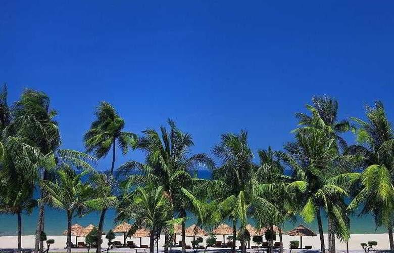Sheraton Nha Trang Hotel and Spa - Beach - 8