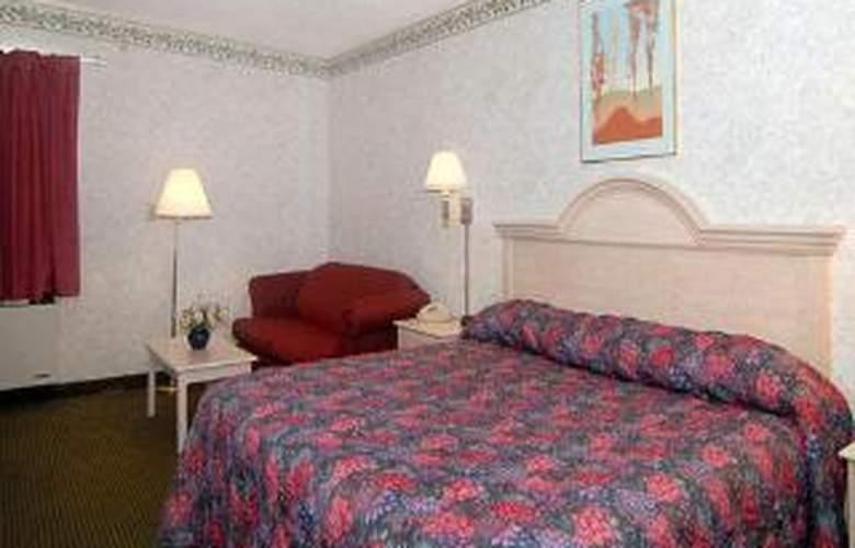 Econo Lodge - Room - 3