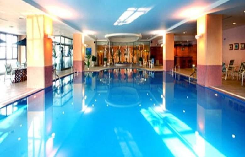 Lees - Pool - 1