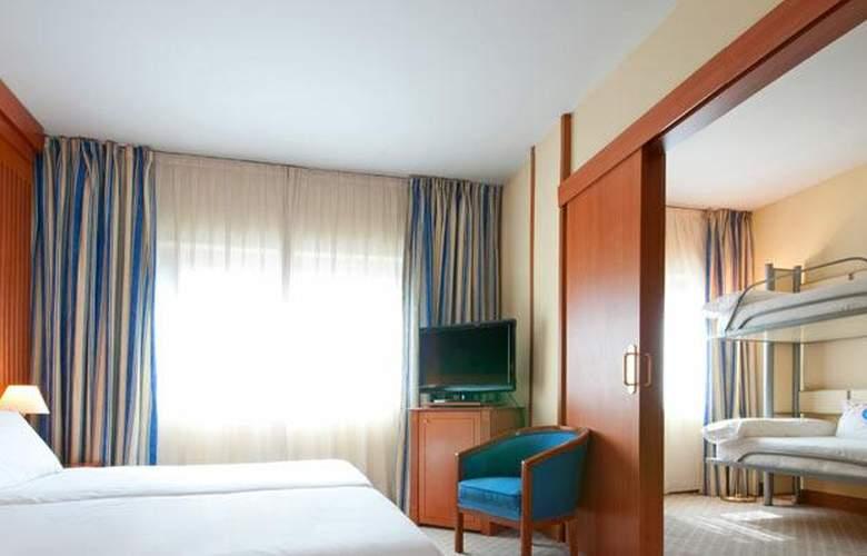 Tryp Barcelona Apolo - Room - 12