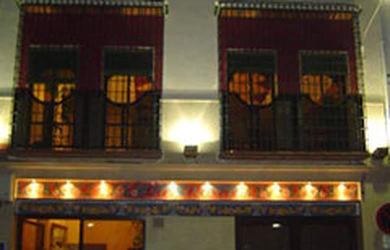 Las Rosas - Hotel - 0