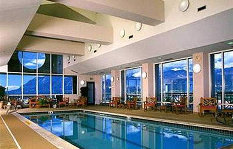 Antlers Hilton Colorado Springs - Pool - 5