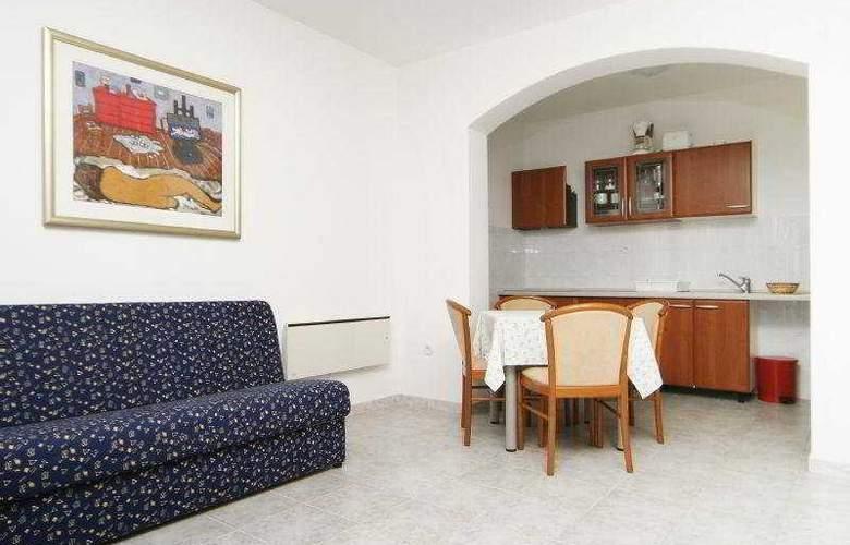 Villa Pucisca - Room - 2