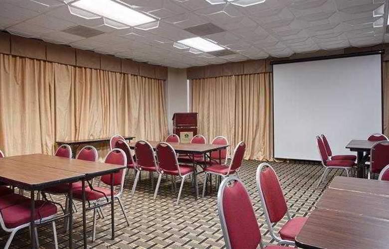 Best Western Hotel & Suites - Hotel - 21