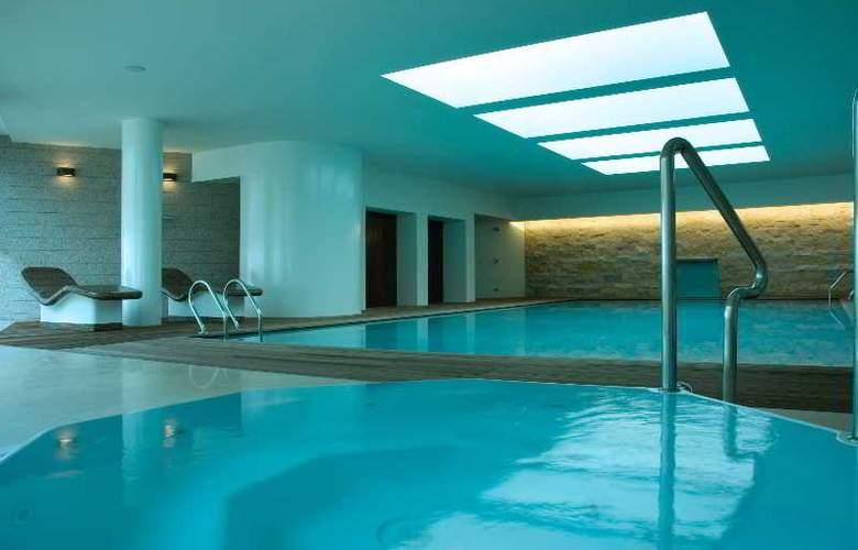 Dom Gonçalo Hotel - Pool - 10