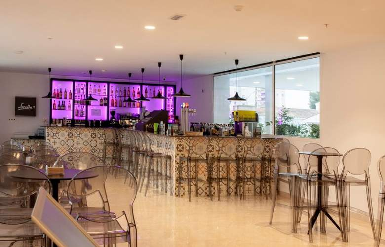 Villa Luz Family Gourmet & All Exclusive - Bar - 4