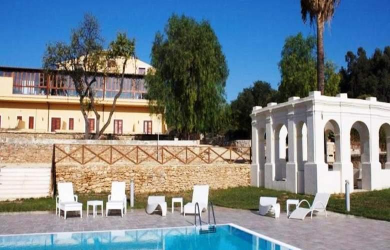 Villa Calandrino - Pool - 10