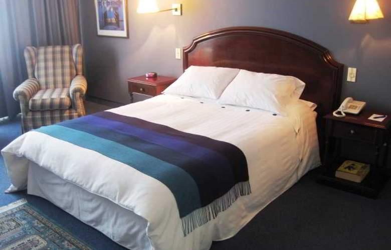 Suites Plaza Las Flores - Room - 3
