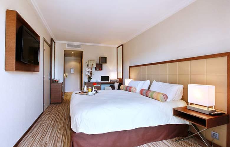 AC Hotel Ambassadeur Antibes - Juan les Pins - Room - 2