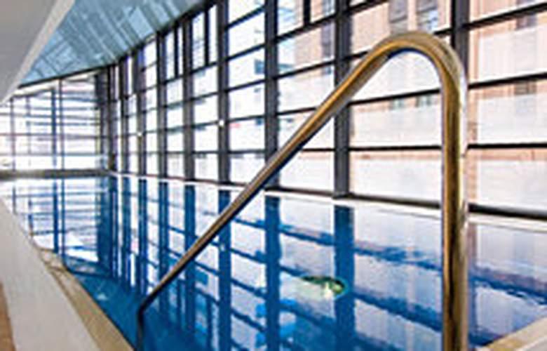 Rendezvous Hotel Adelaide - Pool - 4