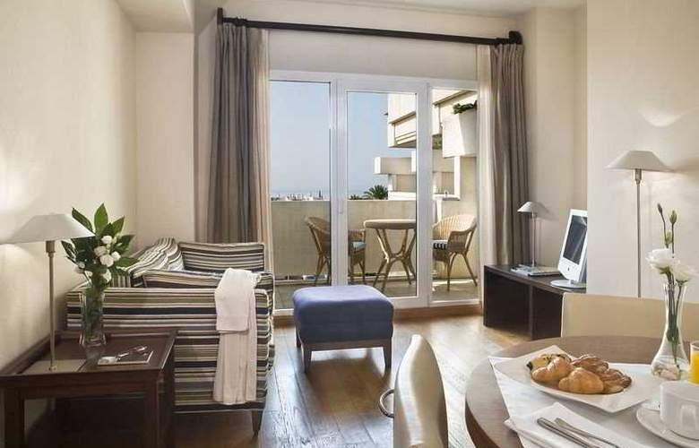 Alanda Hotel - Room - 2