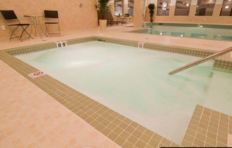 Best Western Plus The Inn At St. Albert - Pool - 132