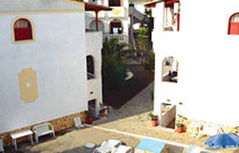 Bella Grecia Aparthotel - Pool - 3