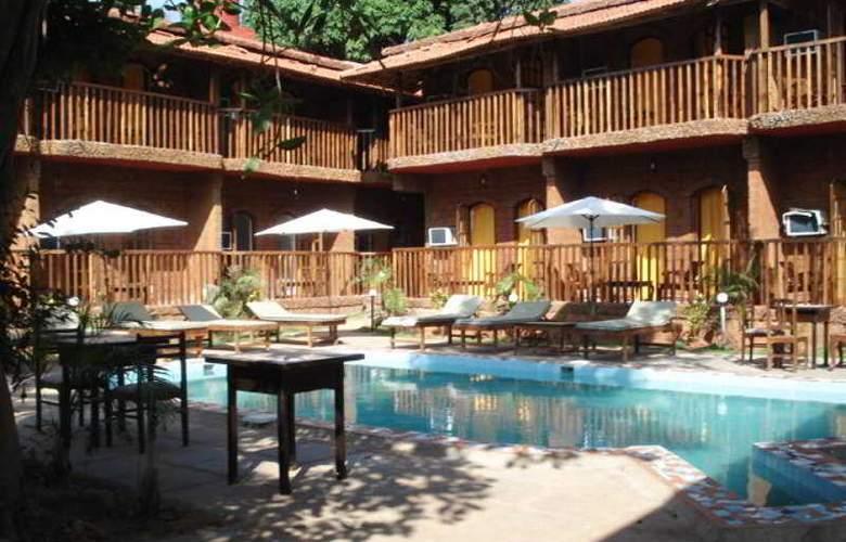Ruffles Resort - Pool - 13