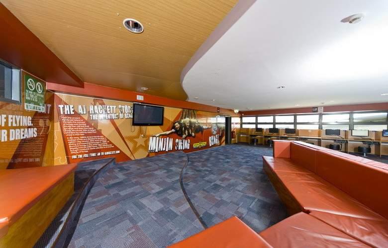 Gilligan's Backpackers Hotel & Resort Cairns - General - 14