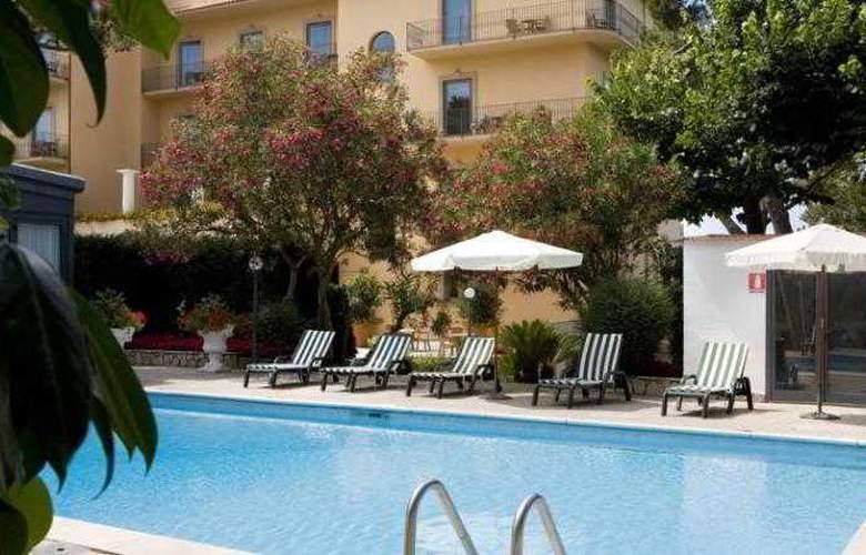 Grand Hotel Due Golfi - Pool - 10