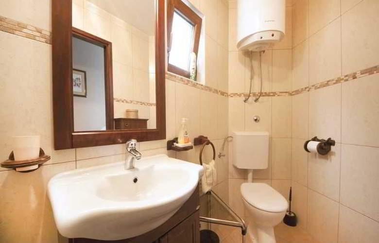 Apartment Sara - Room - 12