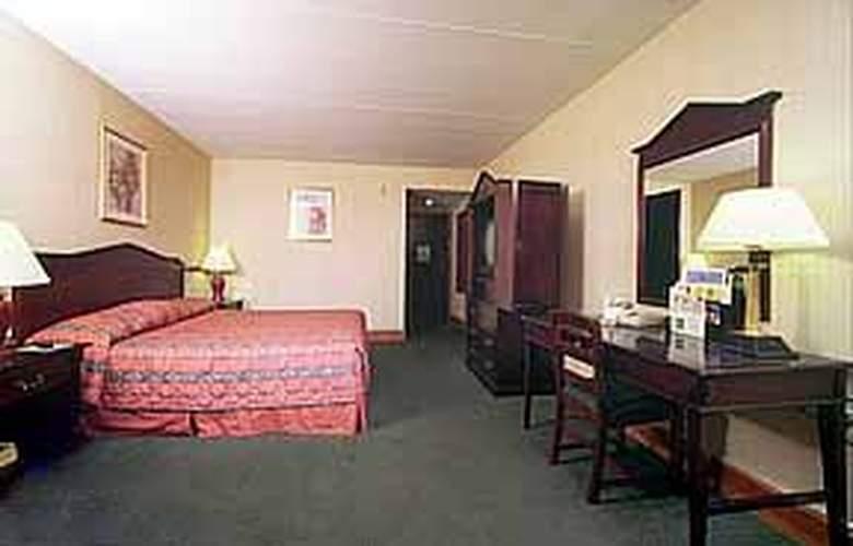 Quality Inn Skyways - Room - 4