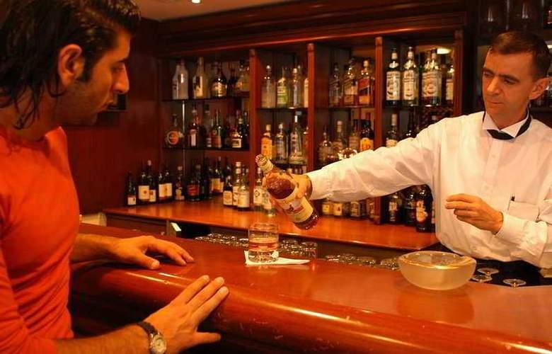 Puding Marina Residence - Bar - 4