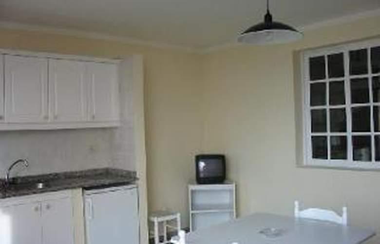 Apartamentos Isa - Room - 1