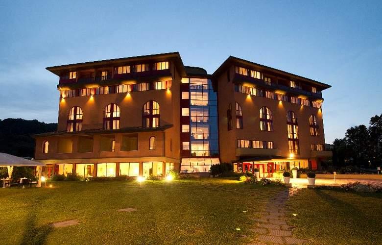 Grand Admiral Palace - Hotel - 4
