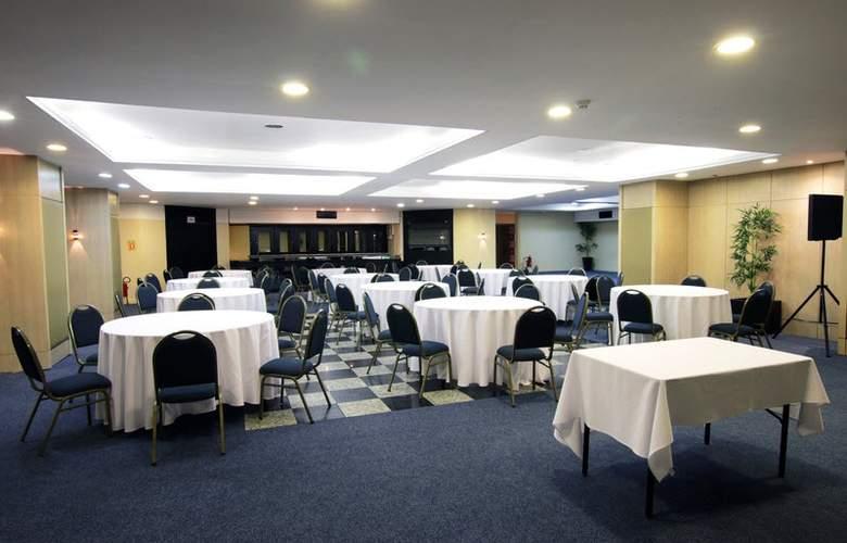 Ramada Plaza Curitiba Rayon - Conference - 17