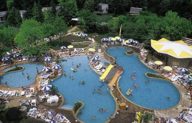 Vita Park - Pool - 5