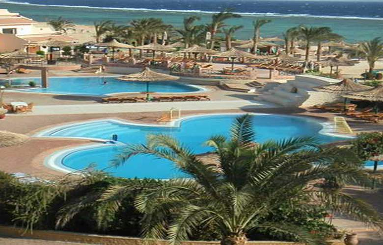 Flamenco Beach Resort - Pool - 14