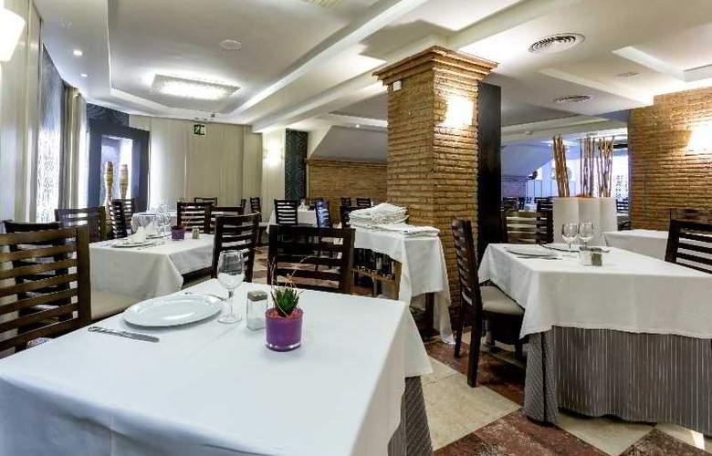 Nuevo Torreluz - Hotel - 13