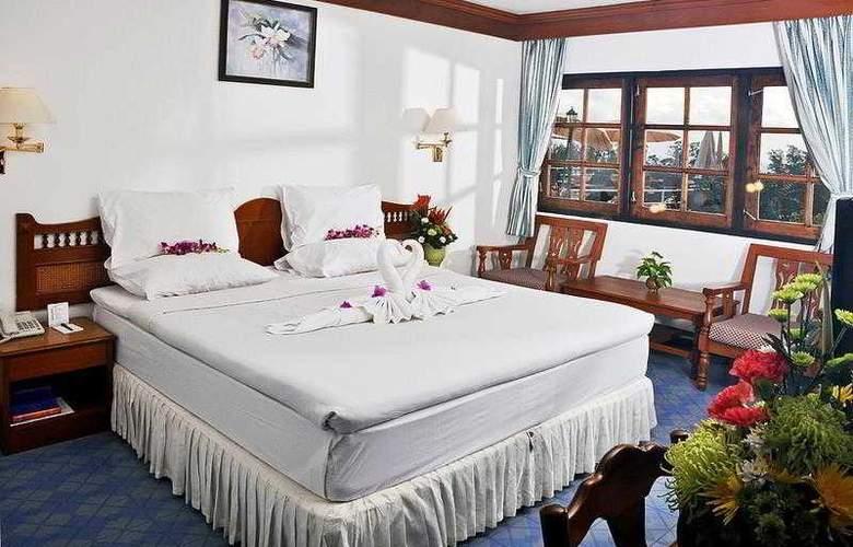 Best Western Phuket Ocean Resort - Hotel - 11