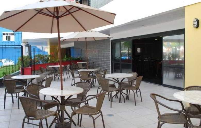 Bahia Park Hotel - Terrace - 4