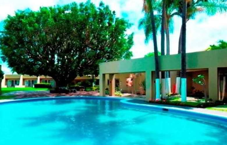 Camino Real Guadalajara - Pool - 6