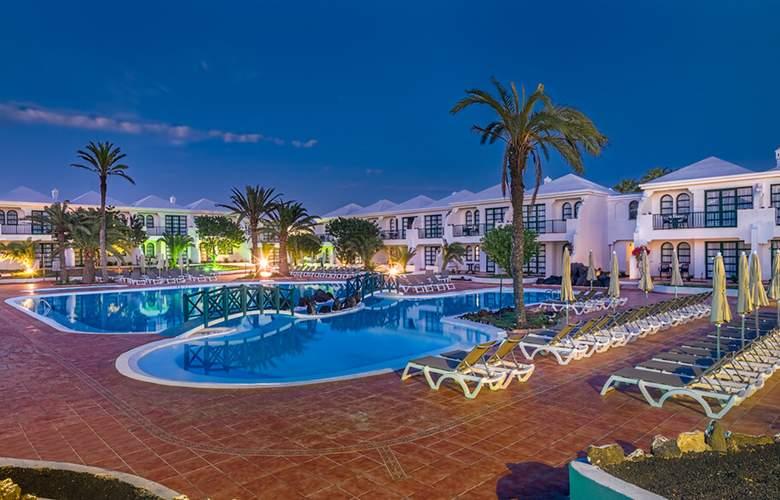 H10 Ocean Suites - Pool - 19