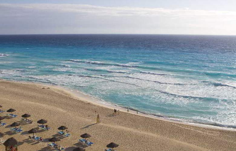The Royal Caribbean - Beach - 19