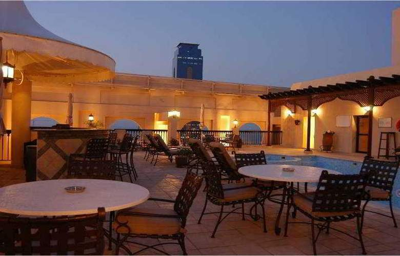 Mercure Grand Hotel Seef, All Suites - Pool - 9