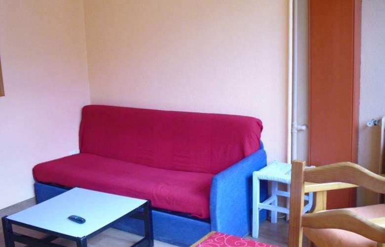 Apartamentos Candanchú 3000 - Room - 1