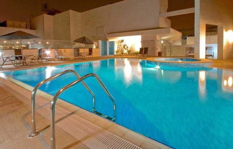 Carlton Al Barsha - Pool - 2