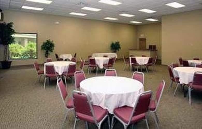 Quality Inn & Suites River Suites  - Restaurant - 5
