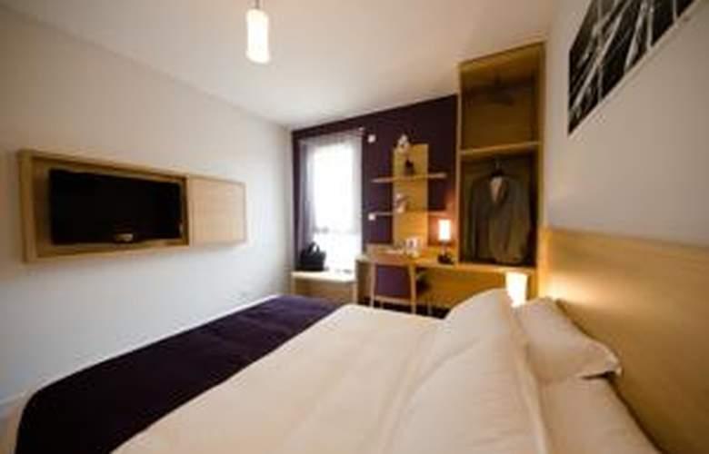 Comfort Suites Lyon Est Eurexpo - Room - 1